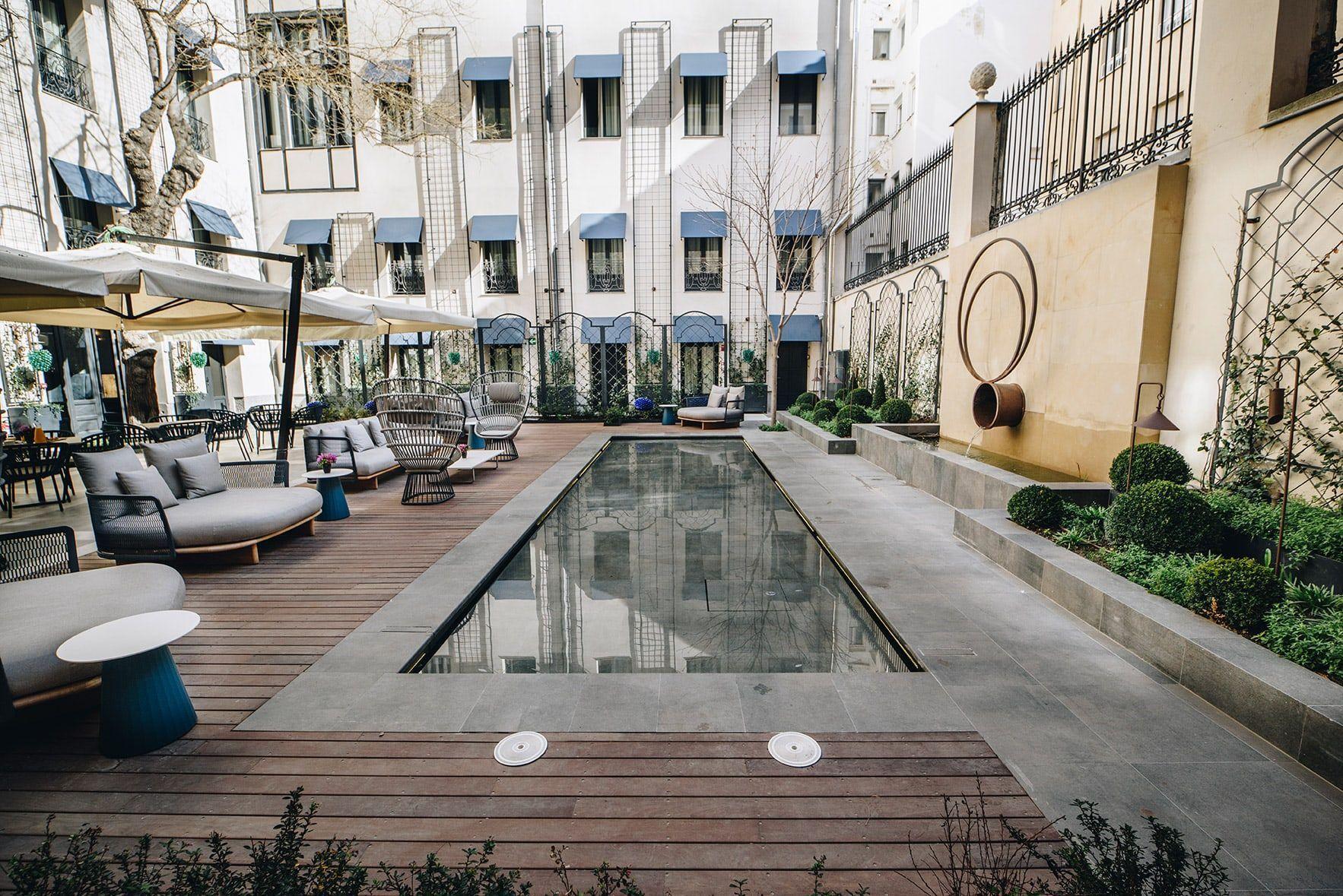 CoolRooms_Atocha-hotel-atocha-poolgarden